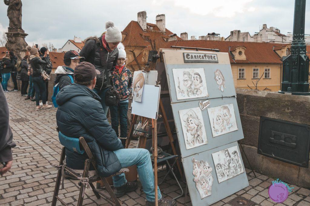 Itinerario para visitar Praga en tres días - El puente Charles en Praga -Patoneando blog de viajes