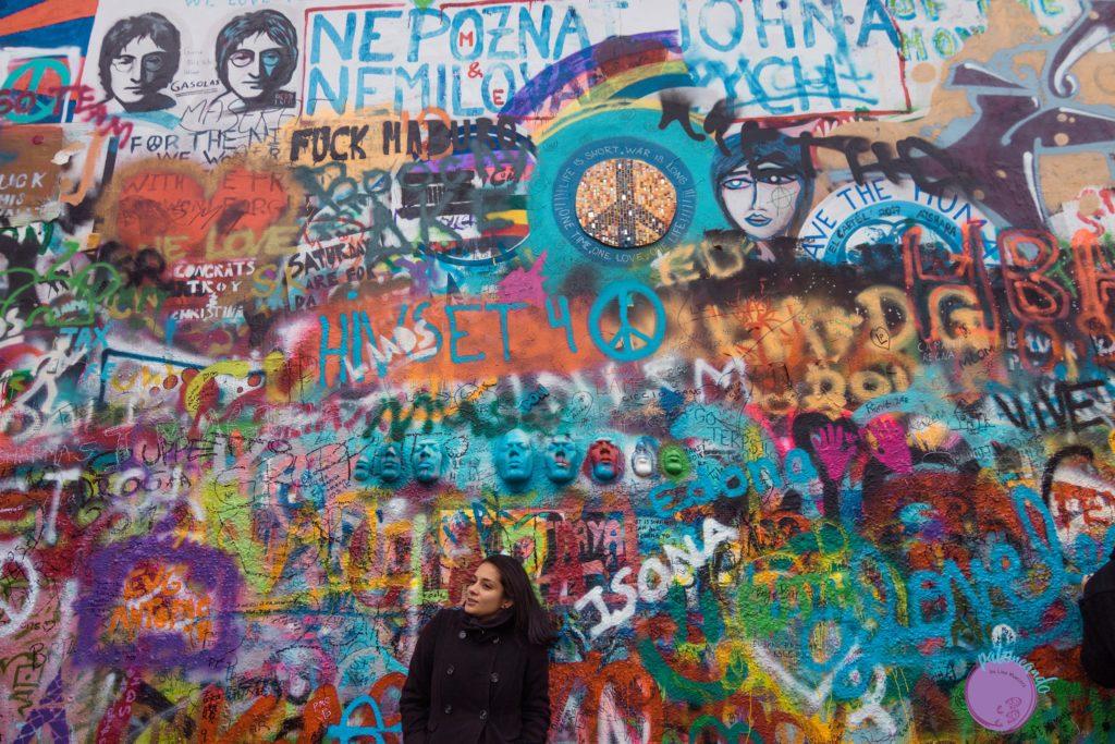Itinerario para visitar Praga en tres días - Muro de John Lennon en Praga - Patoneando blog de viajes