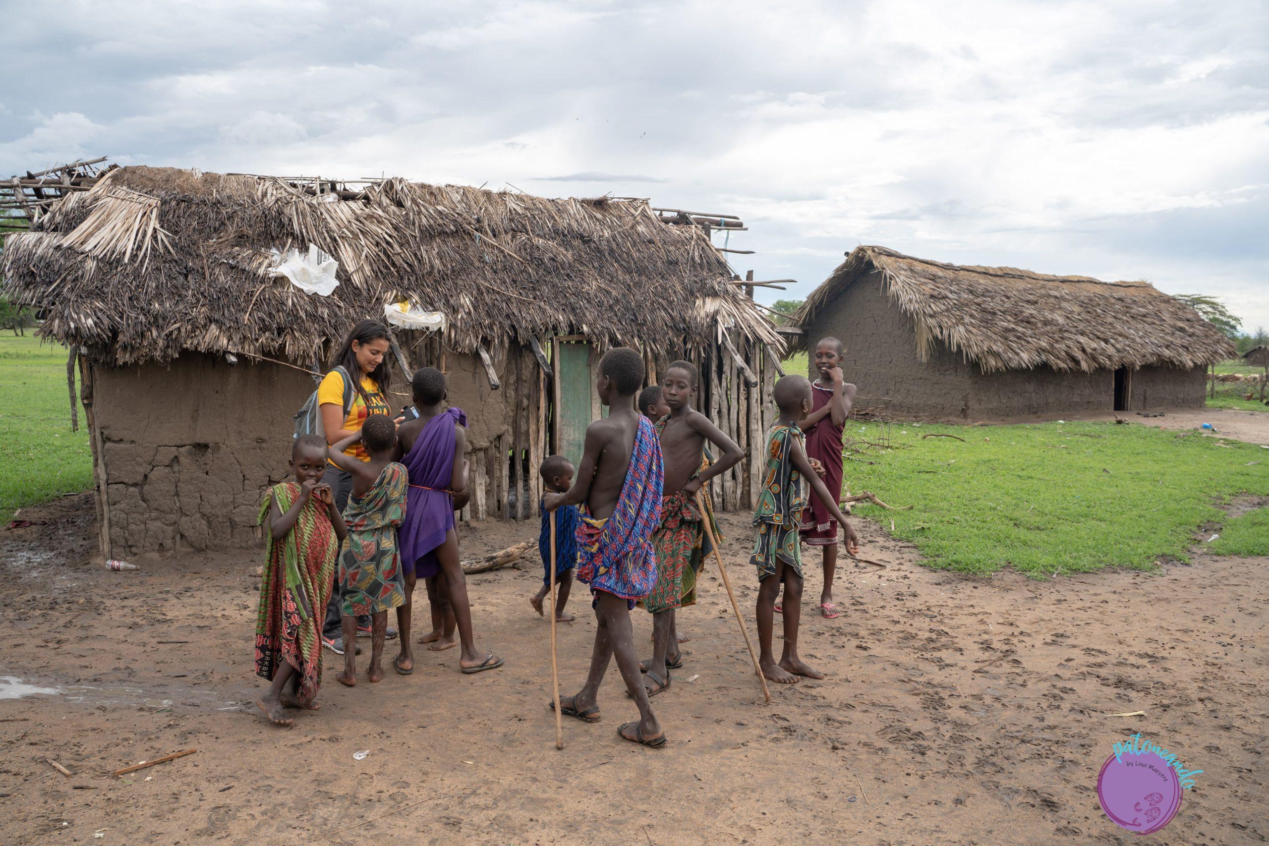 Visitando una aldea Masai en Paracuyo, Tanzania - quienes son los masai - Patoneando blog de viajes