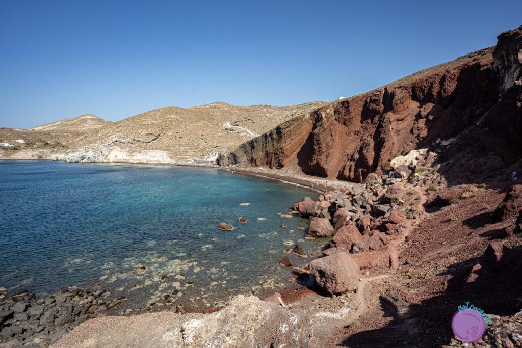 Guia para viajar a Santorini, Grecia - Playa roja o Red Beach en santorini - Patoneando blog de viajes